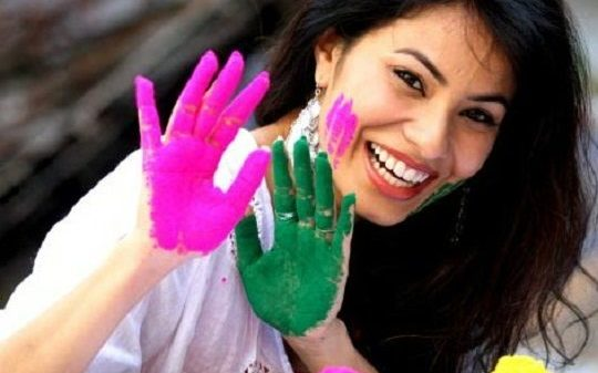 tips-how-to-protect-hair-and-skin-from-holi-colors-2906673