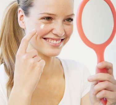 how-to-get-rid-of-acne-overnight-at-home-with-toothpaste-easily-8288051