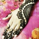 latest-and-easy-mehndi-designs-for-hands-2012-150x150-4006080