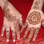latest-and-easy-mehndi-designs-for-hands-2012-2-150x150-1254646