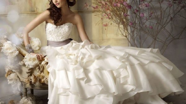 top-best-selling-wedding-dresses-of-all-time-for-bridals-7418595